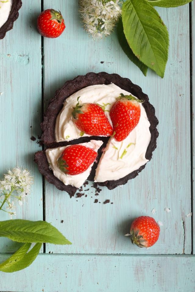 Schoko-Erdbeertörtchen