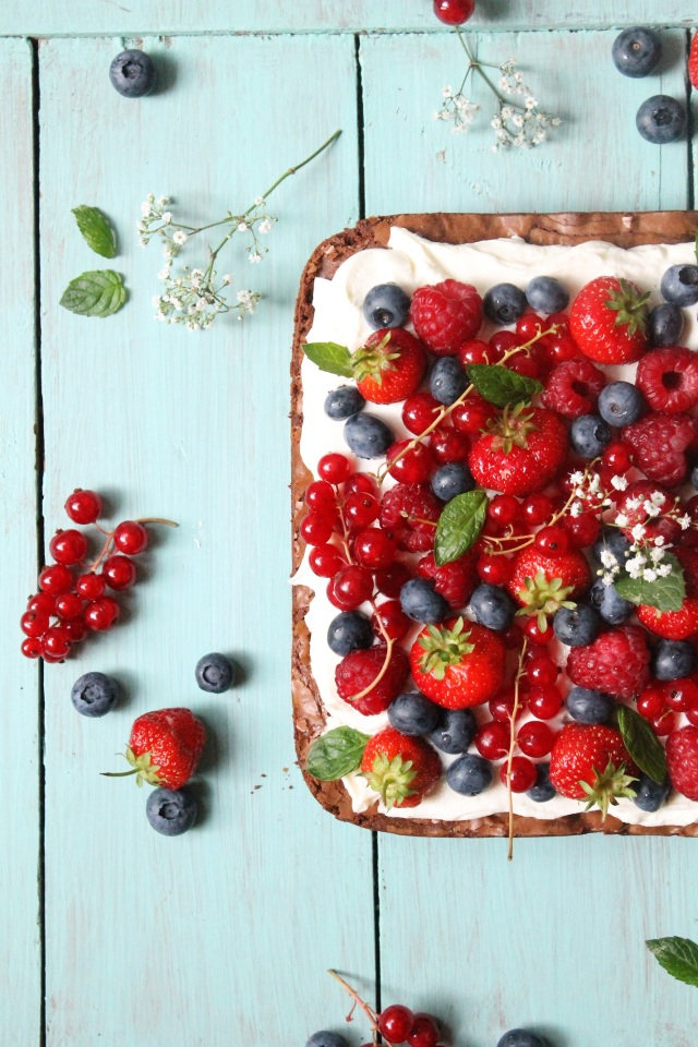 Brownie_Beeren_Kuchen